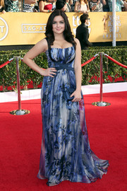 Ariel Winter played up her assets in a blue floral gown by Badgley Mischka during the SAG Awards.