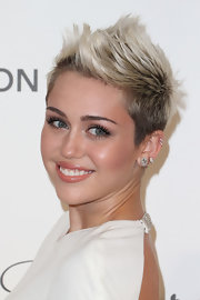 Miley Cyrus' platinum 'do looked cool and edgy when styled into a cool fauxhawk.