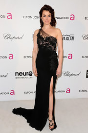 Bellamy Young channeled old-school Hollywood at Elton John's Oscar bash with a one shoulder gown with floral detailing.