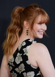 Bryce Dallas Howard looked adorable with her wavy ponytail and eye-grazing bangs at the Hollywood Film Awards.