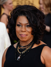 Lorraine Toussaint topped off her look with a glamorous curled-out bob when she attended the SAG Awards.
