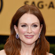 Julianne Moore's Soft Waves and Rouged Cheeks