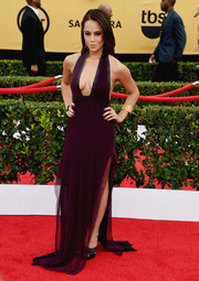 Alex Hudgens looked va-va-voom at the SAG Awards in an aubergine halter gown that showcased both cleavage and legs.