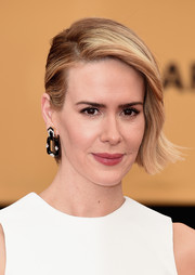 Sarah Paulson looked cool at the SAG Awards wearing her short hair slicked back on one side and gently wavy on the other.