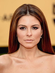 Maria Menounos opted for a loose, straight hairstyle parted down the center for her SAG Awards look.