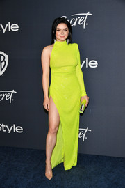 Ariel Winter looked fabulous in an asymmetrical neon-yellow sequined gown by Effie Kats at the Warner Bros. and InStyle Golden Globes after-party.