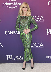 Judith Light flaunted her slim physique in a fitted green sequin dress at the 2019 Costume Designers Guild Awards.