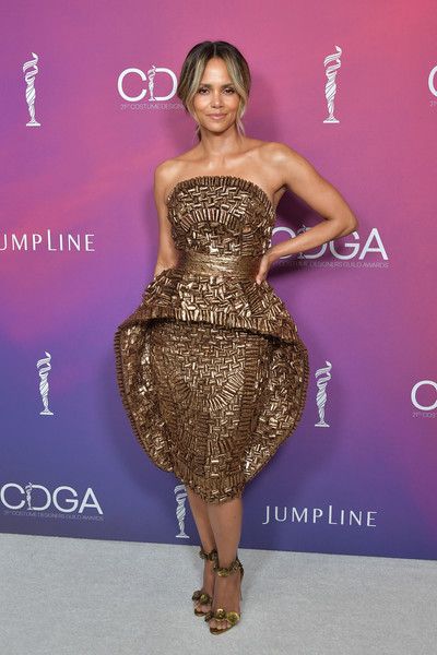 Look of the Day: February 20th, Halle Berry