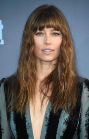 Jessica Biel rocked edgy waves and uneven bangs at the Critics' Choice Awards.