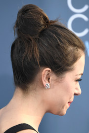 Tatiana Maslany stayed classic with this bun at the Critics' Choice Awards.