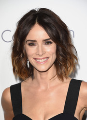 Abigail Spencer styled her hair with high-volume waves for the Elle Women in Hollywood Awards.