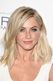 Julianne Hough looked like Barbie with her blonde waves at the Elle Women in Hollywood Awards.