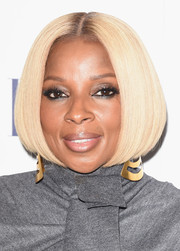Mary J. Blige showed off a not-a-strand-out-of-place bob at the Elle Women in Hollywood Awards.