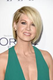 Jenna Elfman looked fab with her emo bob at the Elle Women in Hollywood Awards.