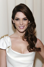 This curly side sweep totally sweetened up Ashley Greene's look during the Elton John AIDS Foundation Oscar viewing party.