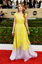 Lily Rabe was a drop of sunshine in a bright yellow and silver print gown by Lela Rose at the SAG Awards.
