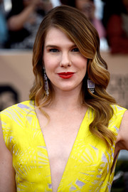 Lily Rabe wore vintage-glam waves at the SAG Awards.