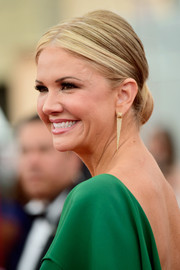 Nancy O'Dell swept her blonde locks back into an elegant chignon for the SAG Awards.