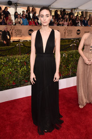 Rooney Mara was sexy-goth at the SAG Awards in a black Valentino gown with a down-to-the-navel neckline.