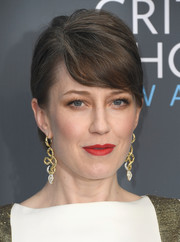 Carrie Coon sported emo bangs at the 2018 Critics' Choice Awards.