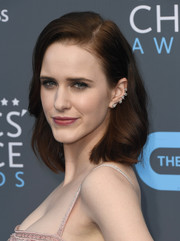 Rachel Brosnahan attended the 2018 Critics' Choice Awards sporting a shoulder-length bob.