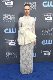 Kate Bosworth brought a dose of bridal glamour to the 2018 Critics' Choice Awards with this white peplum lace gown by Brock Collection.