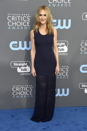 Holly Hunter kept it relaxed in a ribbed purple tank dress with a sheer, flared hem at the 2018 Critics' Choice Awards.