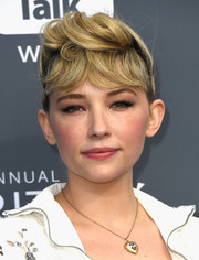 Haley Bennett attended the 2018 Critics' Choice Awards wearing her hair in an old-school pompadour.