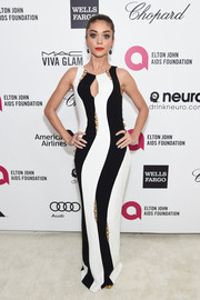 Sarah Hyland made a bold statement with this curve-flaunting black-and-white Paule Ka gown during Elton John's Oscar-viewing party.