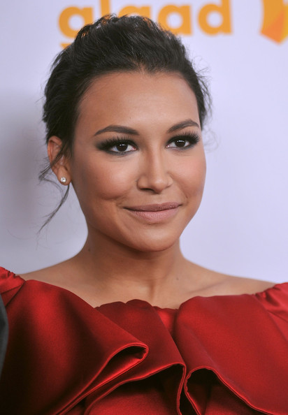 Naya Rivera applied a pretty pair of false lashes for a dramatic smoky-eyed effect at the 23rd Annual GLAAD Media Awards.
