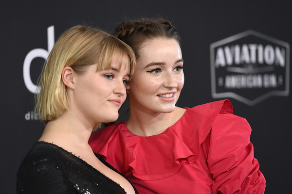 More Pics of Kaitlyn Dever Cat Eyes (1 of 11) - Makeup Lookbook - StyleBistro [hair,face,red,blond,hairstyle,beauty,fashion,ear,photography,smile,mady dever,kaitlyn dever,l-r,california,beverly hills,the beverly hilton hotel,annual hollywood film awards - arrivals]