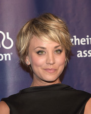 Kaley Cuoco went for an edgy layered razor cut at the 2015 A Night at Sardi's benefit.