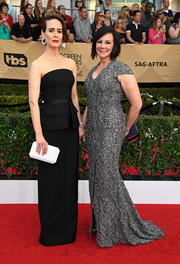 Sarah Paulson donned a sleek tux-inspired strapless gown by Vera Wang for the SAG Awards.