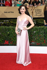 Maisie Williams was an Old Hollywood beauty in a pink silk slip dress at the SAG Awards.