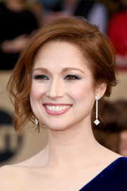 Ellie Kemper looked glam wearing this teased updo at the SAG Awards.