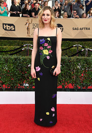 Laura Carmichael kept it sweet and feminine in a floral-embroidered, spaghetti-strap gown by Christopher Kane at the SAG Awards.
