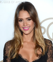Jessica Alba wore her ombre locks down with wispy curls at the 2013 Producers Guild Awards.