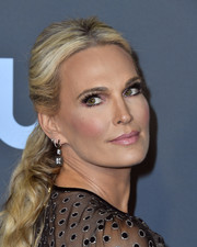Molly Sims looked like a doll with her blonde ponytail at the 2020 Critics' Choice Awards.