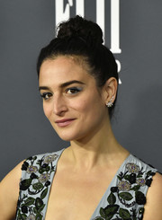 Jenny Slate polished off her glamorous look with pearl studs.