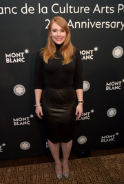 Bryce Dallas Howard complemented her sweater with a black leather pencil skirt.
