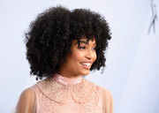 Yara Shahidi attended the 2019 SAG Awards wearing her natural hair.