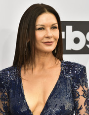 Catherine Zeta-Jones wore a pin-straight hairstyle at the 2019 SAG Awards.