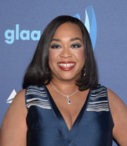 Shonda Rhimes opted for a simple mid-length bob when she attended the GLAAD Media Awards.