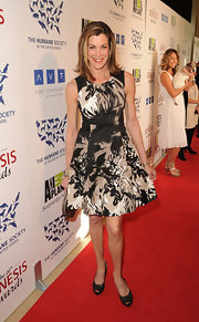 Wendie Malick looked ready for spring in this floral dress on the Genesis Awards red carpet.
