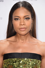 Naomie Harris accented her eyes with smoky makeup.