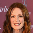 Julianne Moore's Medium Wavy Cut