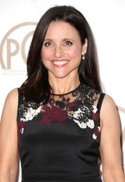 Julia Louis-Dreyfus' hair was styled in polished loose waves at the 26th Annual Producers Guild Of America Awards.