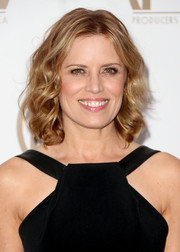 Kim Dickens looked fab in her cute natural curls.