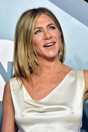 Jennifer Aniston looked stylish, as always, with her layered cut at the 2020 SAG Awards.