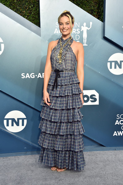 Margot Robbie chose a blue plaid halter gown by Chanel for her 2020 SAG Awards look.